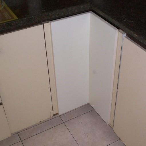 החלפת דלת ארון מטבח